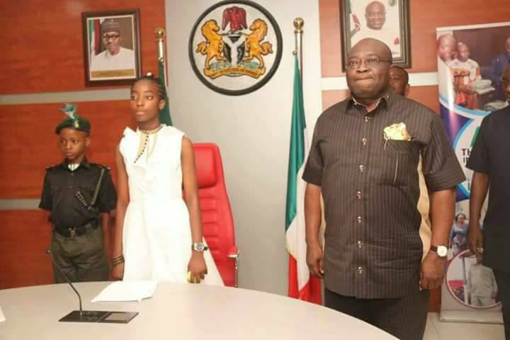 14-Year-Old 1-Day Abia Governor Awarded Full Scholarship, Gets N500K Cash (Photos)