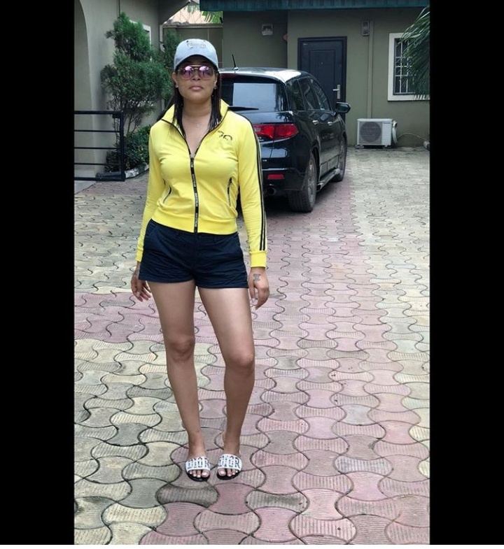 #ViralNow: See Photos of Actress Adunni Ade Radiant Skin In Bum Shorts 2