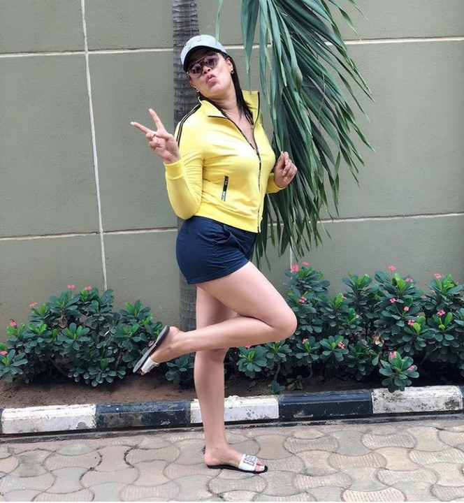 #ViralNow: See Photos of Actress Adunni Ade Radiant Skin In Bum Shorts 1