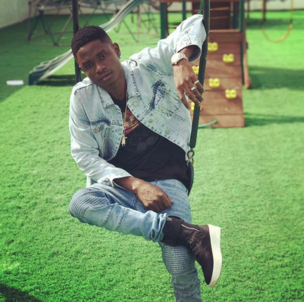 Download Music Mp3:- Lil Kesh – Baby Favour