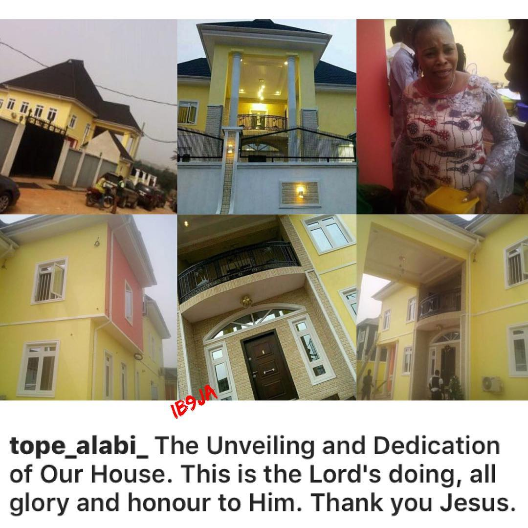 Gospel Musician, Tope Alabi, Dedicates Her New House In Lagos