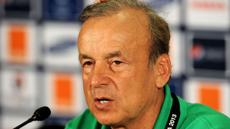 2018 World Cup: Rohr Warns Girls Not To Visit Super Eagles Players