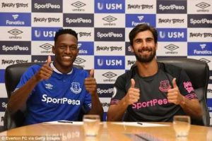 Everton Indicators Andre Gomes From Barcelona On Mortgage (Pictures)