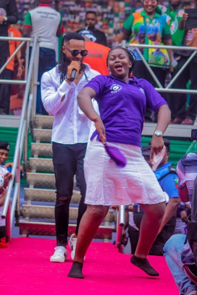 Flavour And Okon Lagos Perform At PDP Presidential Rally In