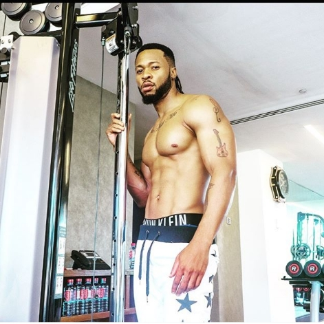 #ViralNow: Flavor Shows Off His Body Abs and Tattoos In Shirtless Photos 2