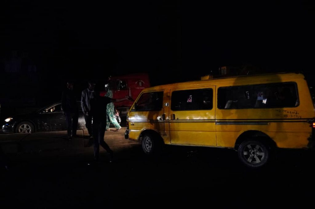 Sanwo-Olu Arrests A Danfo Driver Driving Through One-Way On Eko Bridge (Photos)