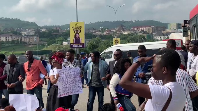 COZA Members Attempt To Stop Protest Against Their Pastor, Fatoyinbo