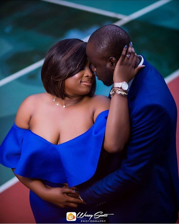 Pretty Lady Bares Her Cleavage In Pre-Wedding Photos With Her Man