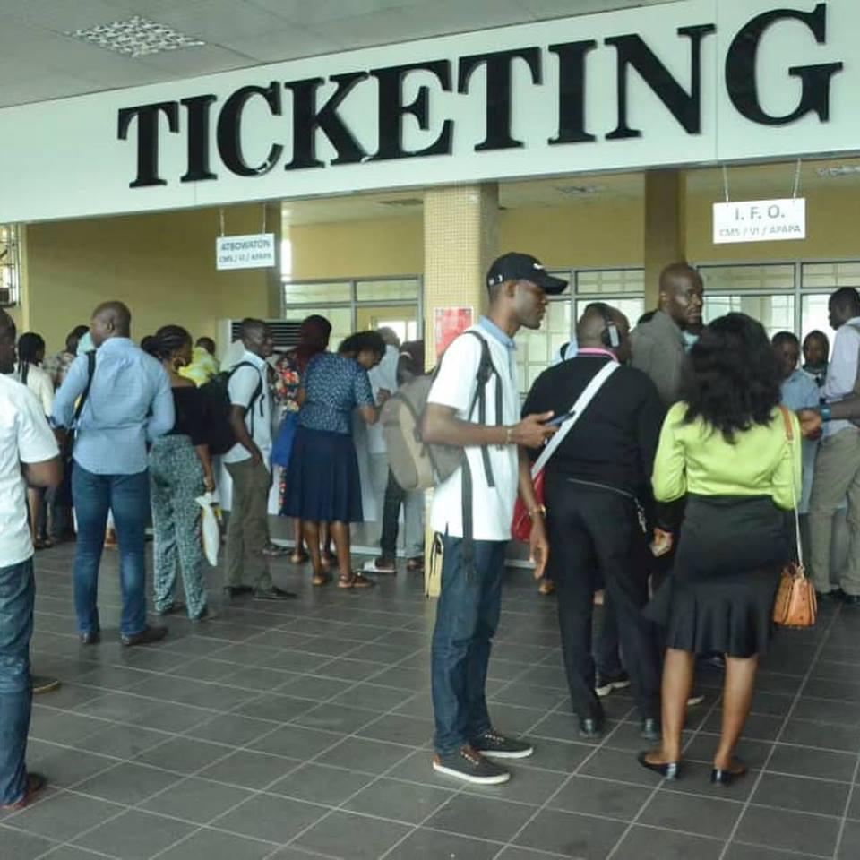 Ikorodu-Mile 12 Road: Crowd At The Ikorodu Ferry Terminal – NEWS