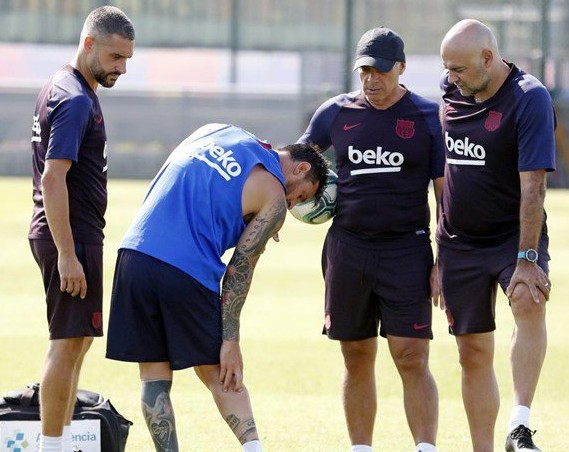 Messi Suffers Right Calf Injury In Training And Will Not Travel To USA