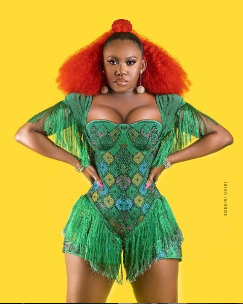 Singer Niniola Poses In Cleavage-Baring Outfit 1