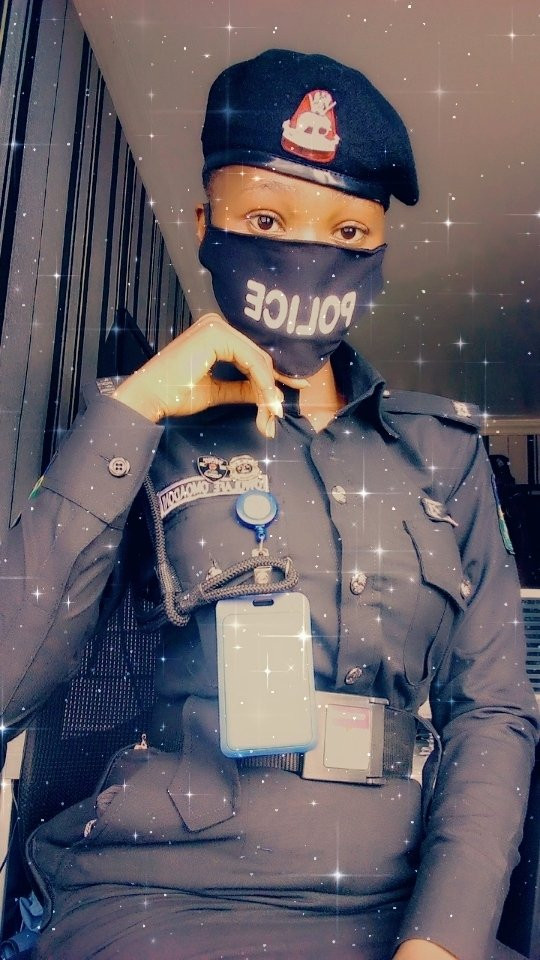 """""""Arrest Me"""" Nigerian Men Beg As Baby-Faced Female Police Nicknamed 'Baby Cop' Joins Twitter (Photos)"""